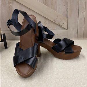 Universal Thread Estella Faux Leather Heels